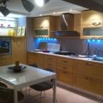 Cucina mod. Victoria Finitura rovere sbiancato legno Completa di elettrodomestici