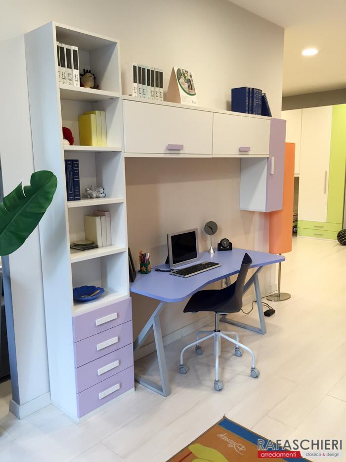 Scrivania per cameretta idee per il design della casa - Cameretta fai da te ...