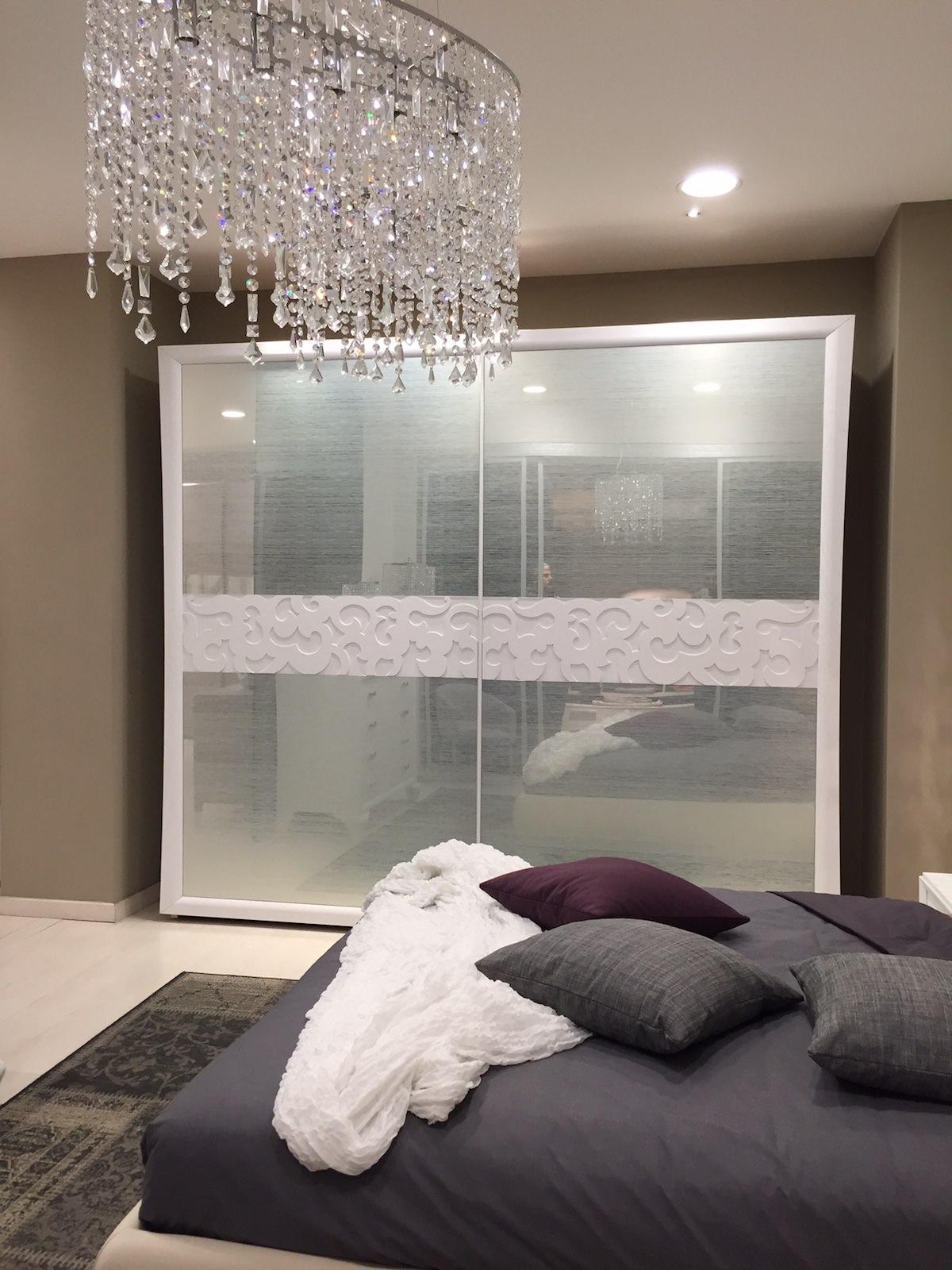 Camera matrimoniale con e senza letto portofino modo - Computer in camera da letto ...