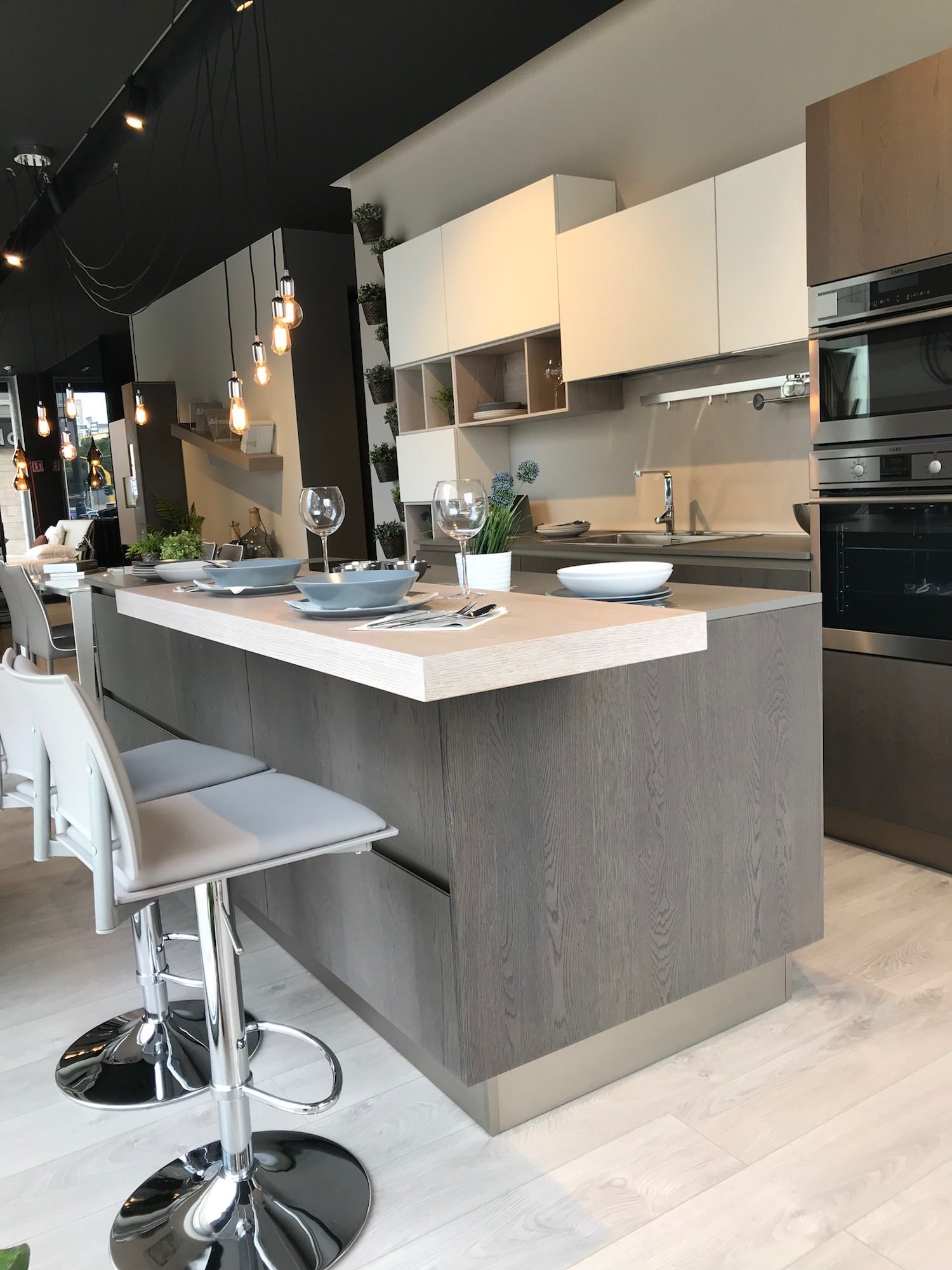 Cucina clover lube in legno rafaschieri arredamenti - Cucina lube prezzo ...