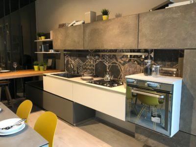 Cucina LUBE OLTRE in Fenix e Malta