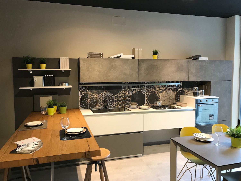 Cucina lube oltre in fenix e malta rafaschieri arredamenti - Cucina lube prezzo ...