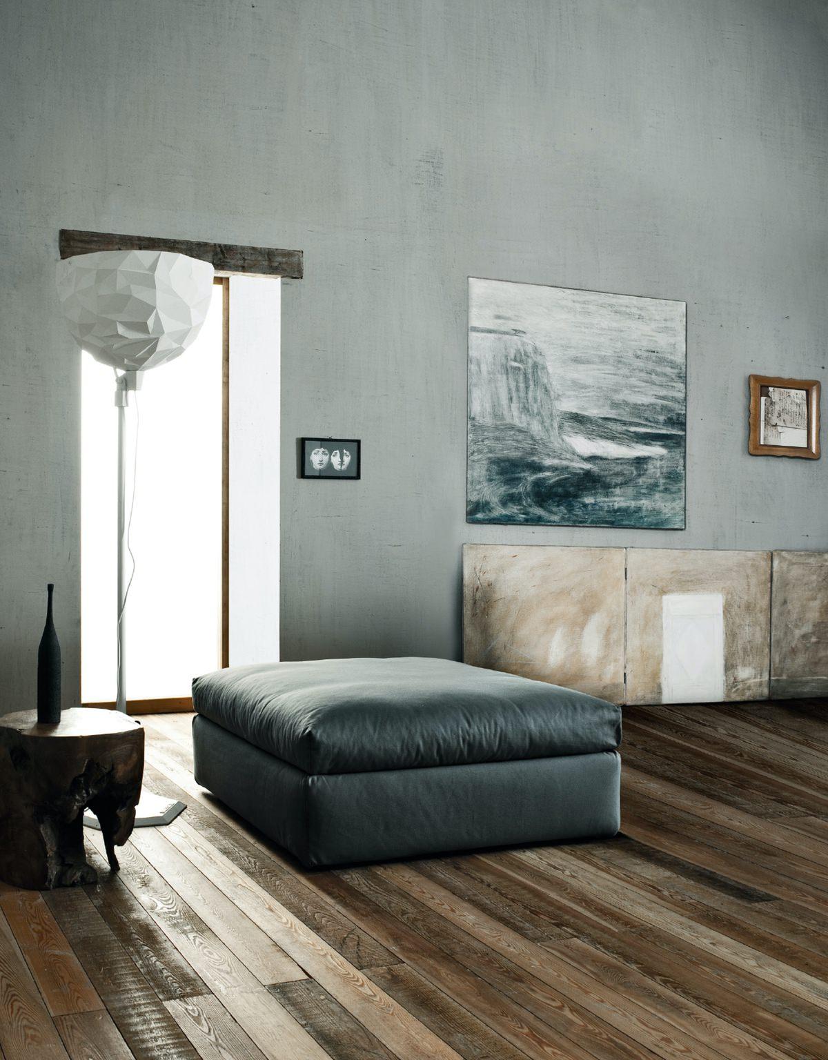 Divani relax design saba italia family 8 rafaschieri for Divani design italia