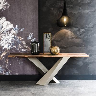 Tavoli consolle by Cattelan Italia, la vostra parete diventerà un'opera d'arte funzionale
