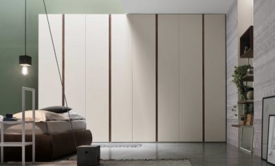 Armadi eleganti e funzionali per la camera da letto, le soluzioni ad anta battente by Tomasella